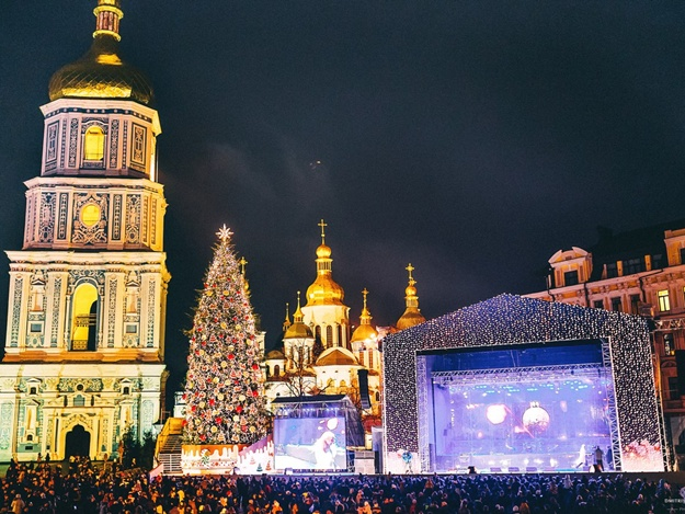 New Year 2019 in Ukraine: celebration in Kiev + coffee capital of Ukraine Lviv