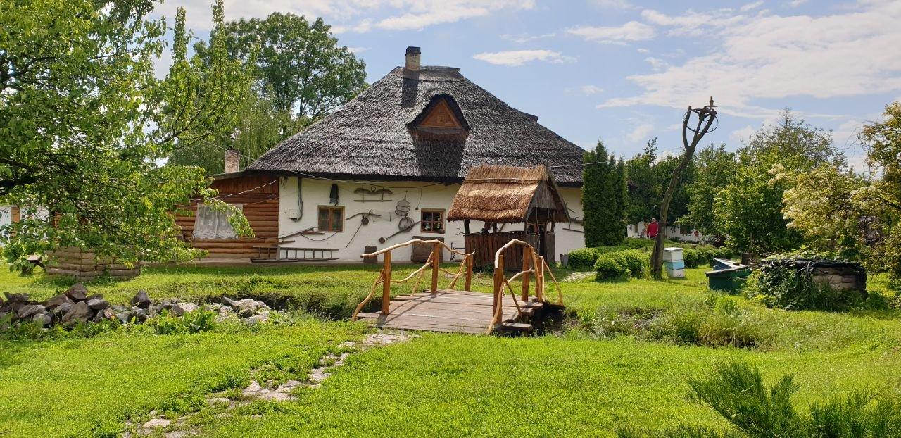 Корпоративные выходные на хуторе близ Диканьки: сплав, встреча с Гоголем, миргородские воды, полтавские галушки и прогулка на лошадях