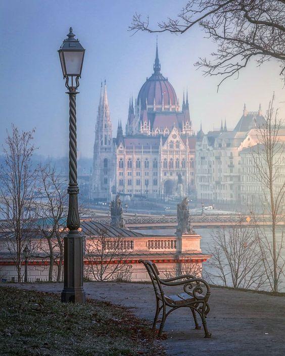 Уикенд в Будапештес перелетом  и питанием от 300 Евро с человека
