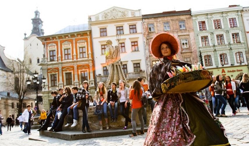 WEEKEND IN UKRAINE: two main cities: Kiev+Lvov