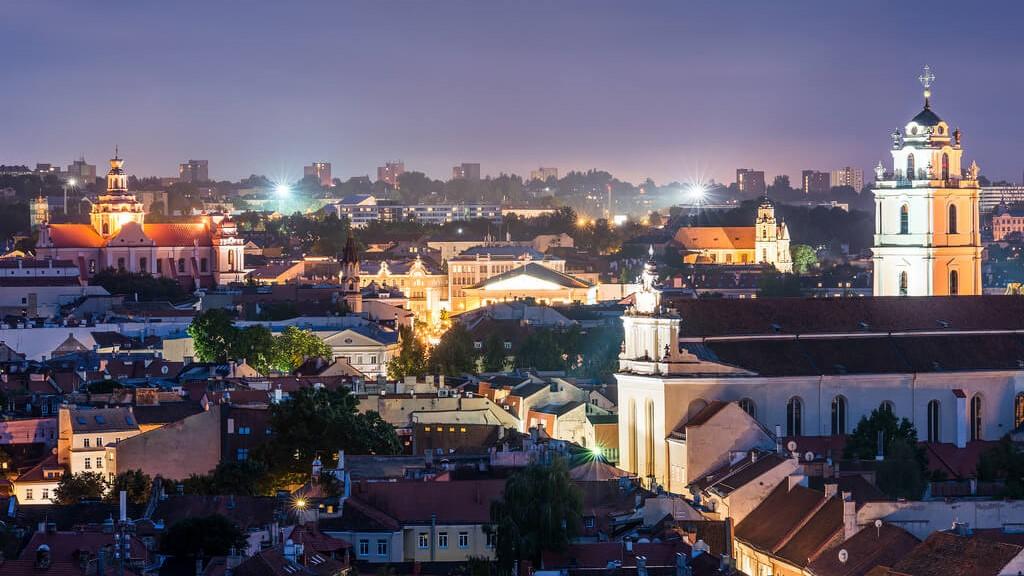 Две столицы Прибалтики: Вильнюс и Рига
