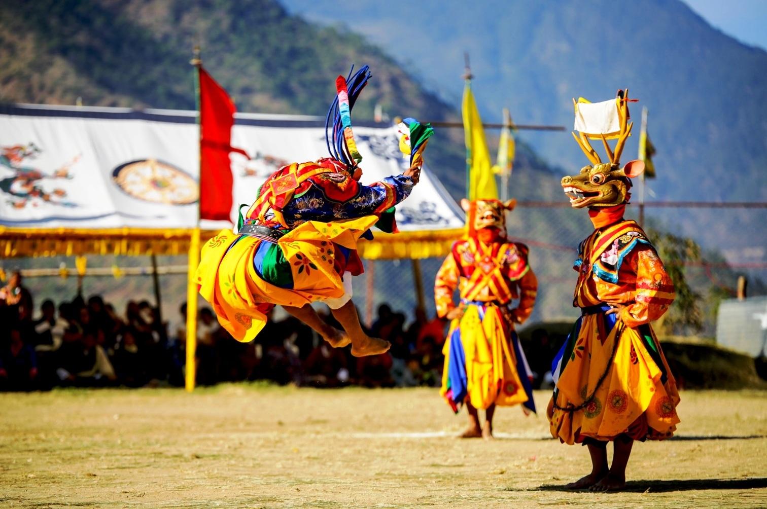 Тур в Бутан на фестиваль Ура Якчо – майские праздники!