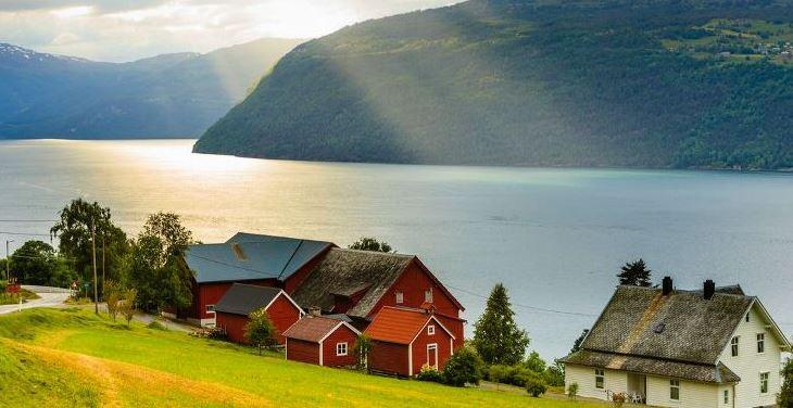 Фьорды Норвегии + Олесунд по программе   (10 дней/9 ночей)