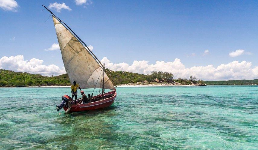 Север Мадагаскара + остров Нуси Бе