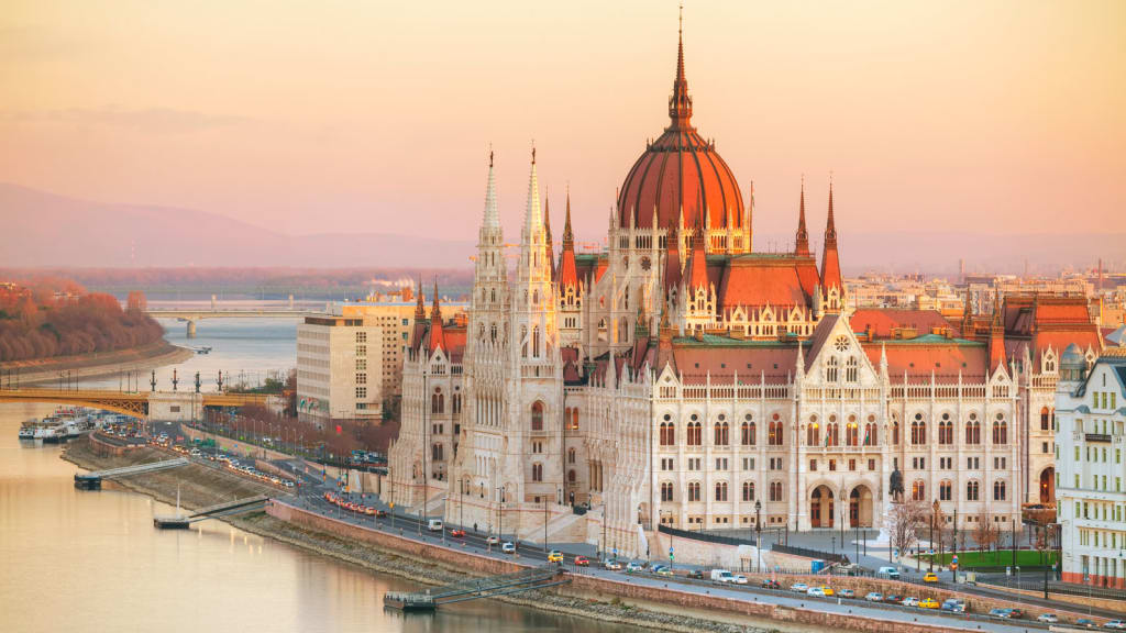 Будапешт, Вена, Братислава с перелетом, экскурсиями и питанием от 478 евро