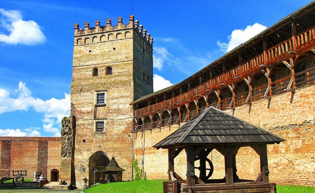 Сокровища Волыни — 5 замков! Тур выходного дня!